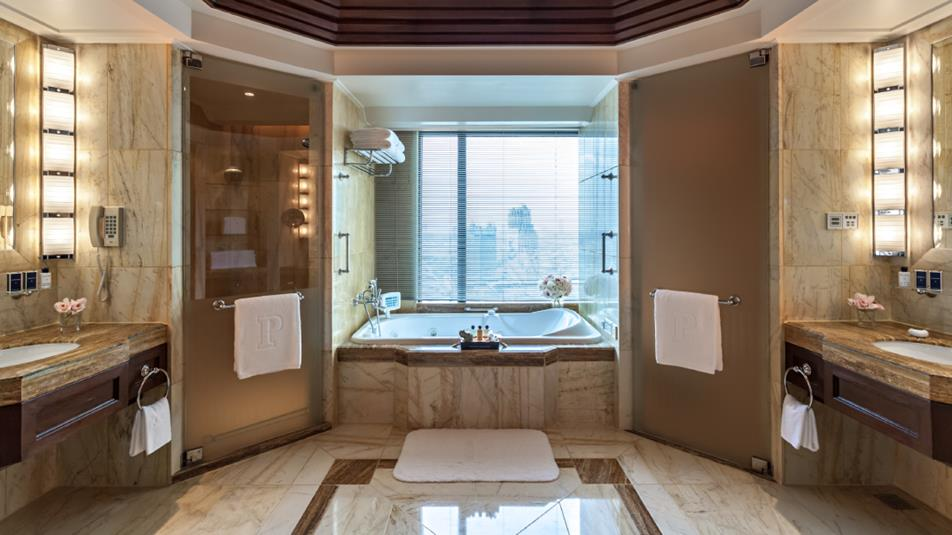 Luxurious Hotel Bathroom Design